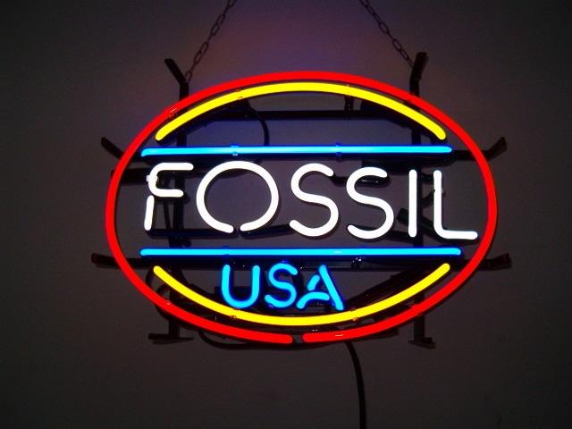 Neonowy napis na ścianę Fossil