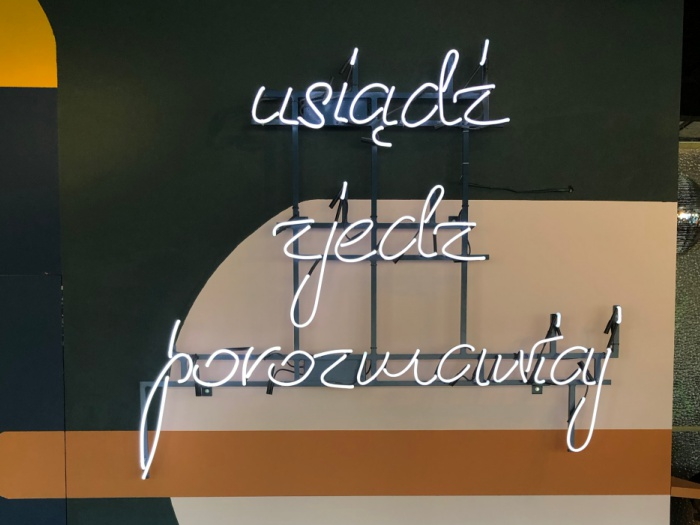 Neon świetlny dla Bułki z Masłem Zwycięska