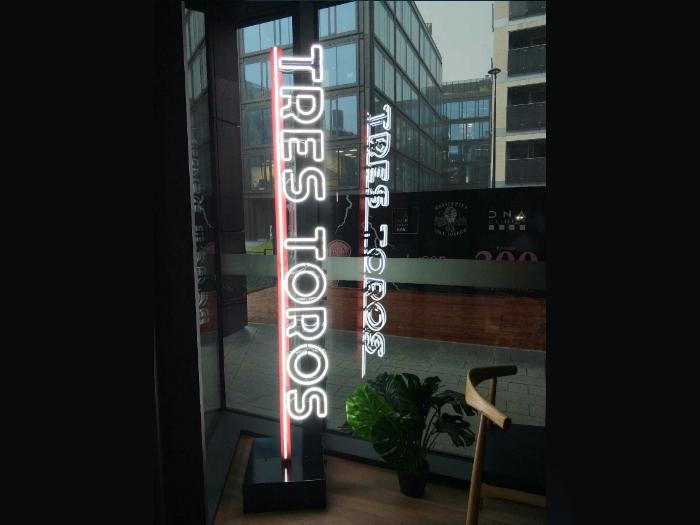 neon dla restauracji warszawa
